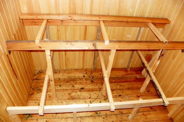 Каркас для полка в баню с использованием вертикальных стоек