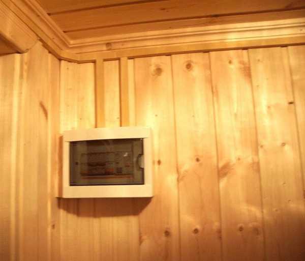 Выбор места установки электрощитка в бане