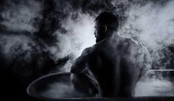 Паримся в бане правильно: парение веником, правила, показания и противопоказания, фото, видео