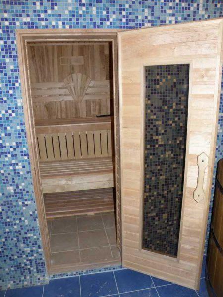 Комбинированные двери в баню или сауну