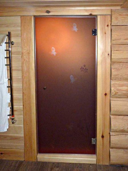 Стекляные двери для бани и сауны могут быть непрозрачными