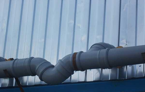 Так выглядит гидрозатвор для пластиковой канализации