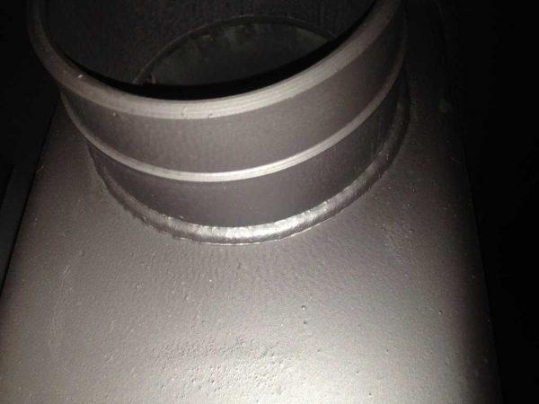 Это фото сварного шва вокруг дымового патрубка (для увеличения размера щелкните по ней левой клавишей мыши)