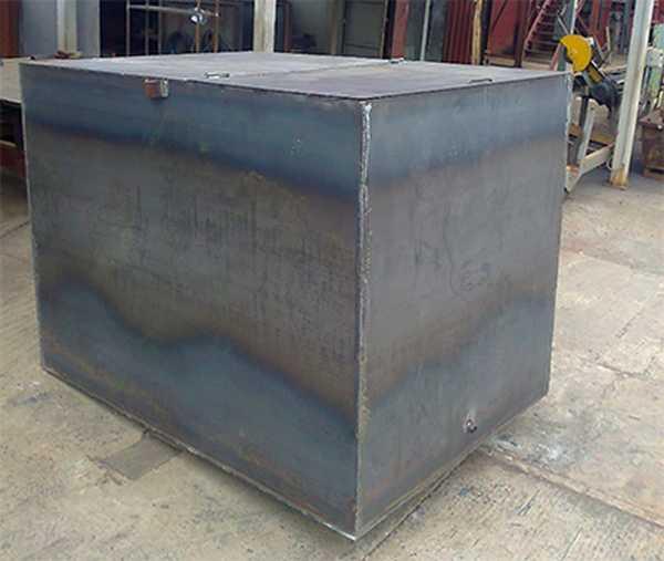 Бак из металла