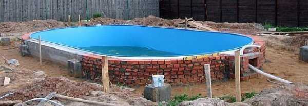 Надземный бассейн с пластиковым вкладышем