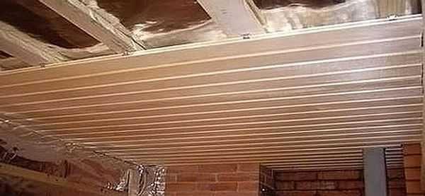 Подшивной потолок  - доски или вагонка прибивается к балкам перекрытия