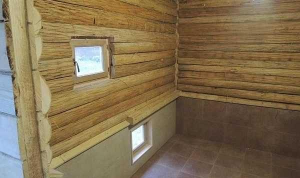 Парилка и два окна в русской бане - это норма