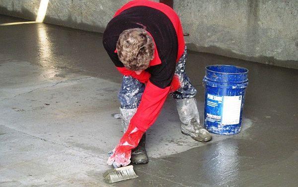 Гидроизоляция бетонного пола либо горизонтальная гидроизоляция фундамента - это тоже область внедрения