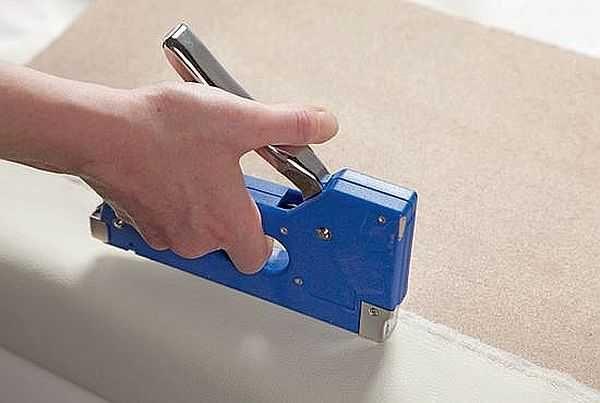 Механические степлеры  хороши при небольших объемах работ