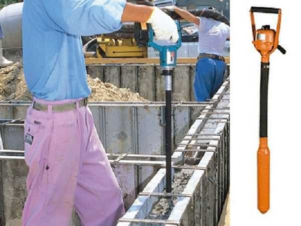 Ручной (портативный) бетонный вибратор имеет небольшие размеры и вес. Им удобно работать при небольших объемах