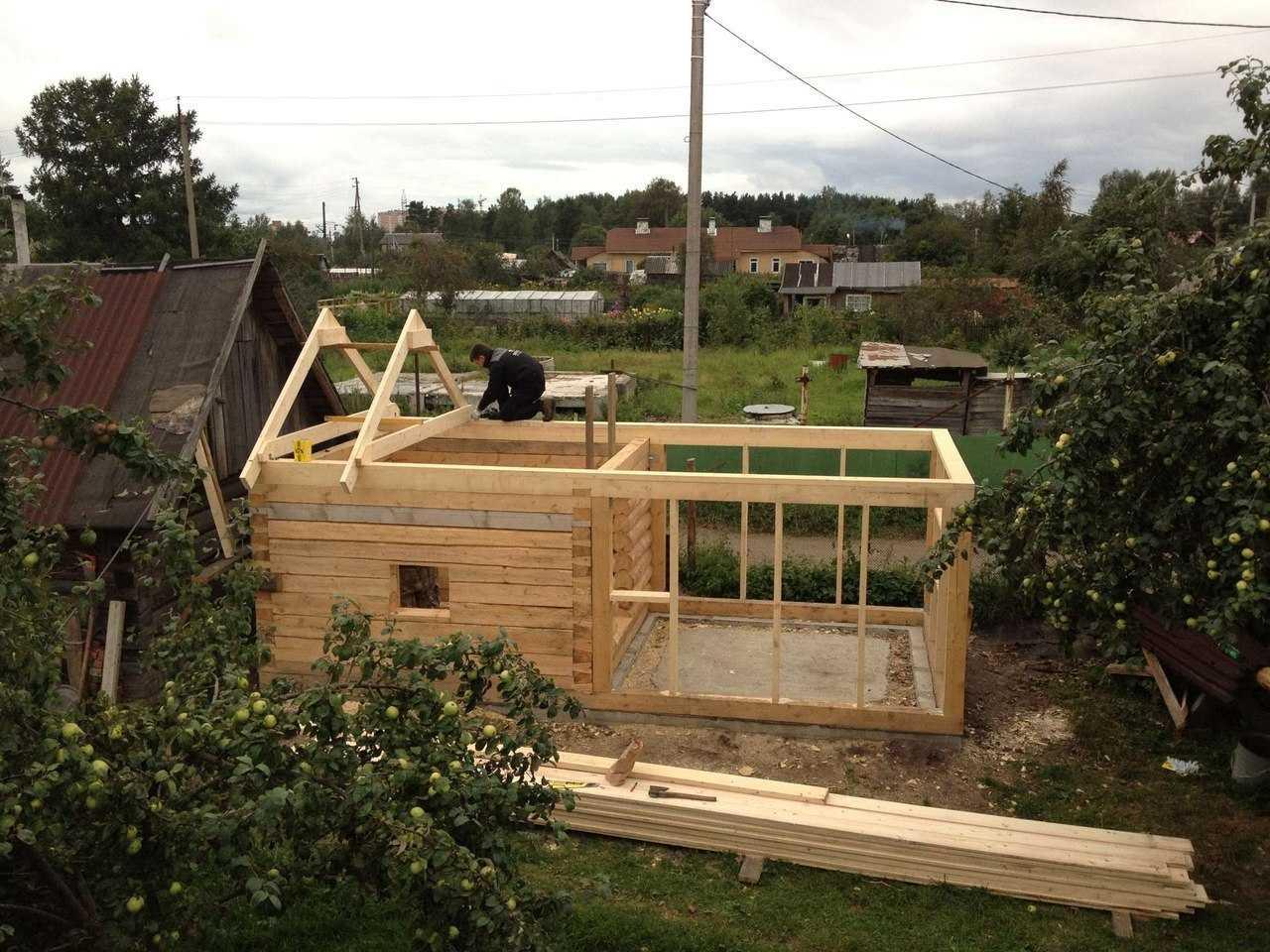 Строим баню в саду своими руками