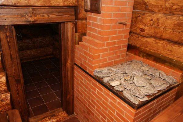 Чтобы сложить кирпичную печь для бани нужны три разных раствора