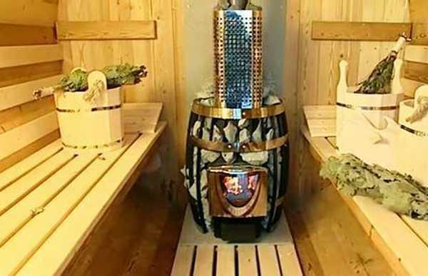 Устанавливая печь в бане-бочке, позаботьтесь о безопасности