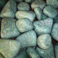 Жадеит относится к полудрагоценным камням. Это идеальный камень для бани.