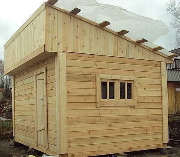 Односкатная крыша для бани - самый простой и дешевый вариант