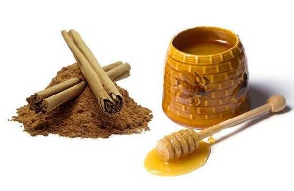 Мед и корица - эта маска для тела в бане придаст упругости , нежности и бархатистости