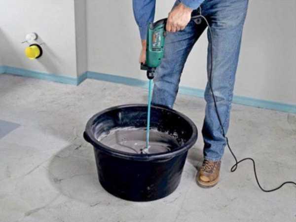 Для получения однородного раствора используйте строительный миксер или дрель с соответствующей насадкой