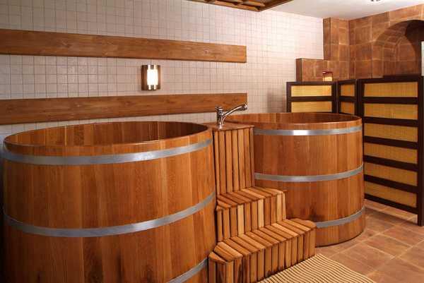Маленькие бассейны в бане: купели из дерева