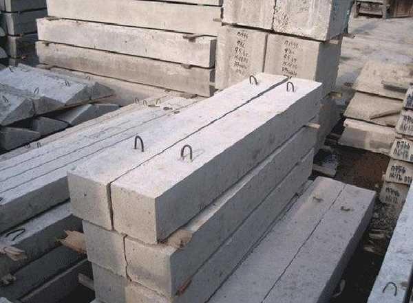Есть блоки-балки. Они тоже иногда необходимы в строительстве