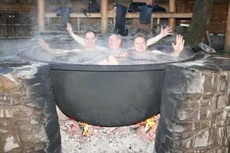Еще один оригинальный способ иметь горячую купель