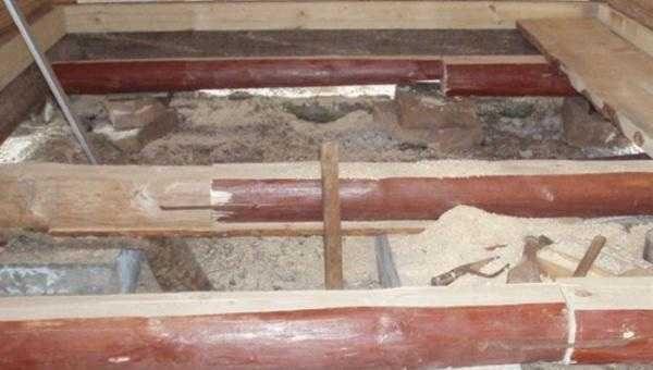 Лаги - это деревянные бруски, оструганные бревна, срощенные доски