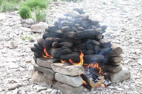 Походная каменка для бани с решеткой