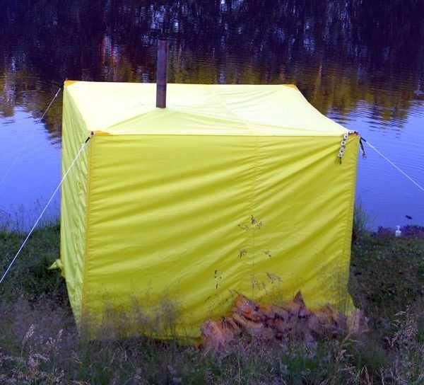 Походная баня - это палатка и небольшая печка, может - груда разогретых камней